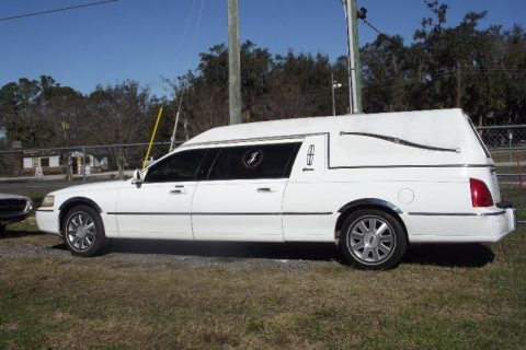 2001 Lincoln Town Car Hearse – excellent CONDITION for sale