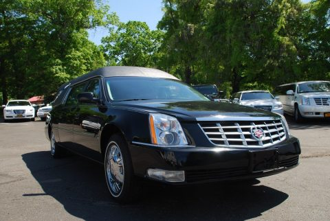 2010 Cadillac DTS Black – drives excellent for sale