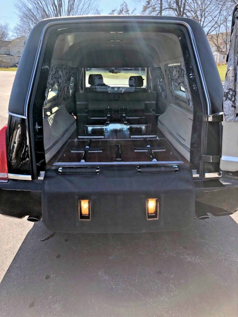 2007 Cadillac DTS Hearse in EXCELLENT CONDITION