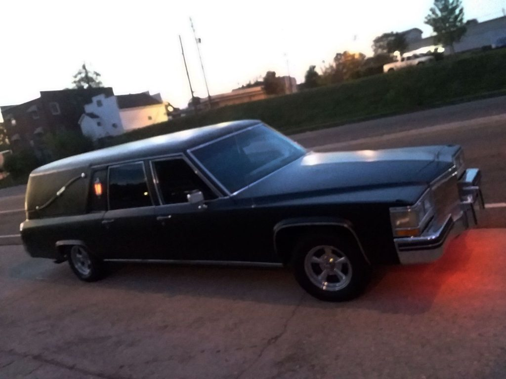 GREAT 1984 Cadillac Fleetwood Chrome
