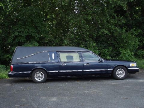 1997 Lincoln Town Car Hearse in Excellent Condition for sale