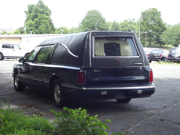 1997 Lincoln Town Car Hearse in Excellent Condition