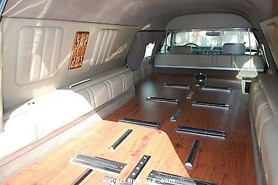 NICE 1996 Cadillac Fleetwood S&S Coachbuilders