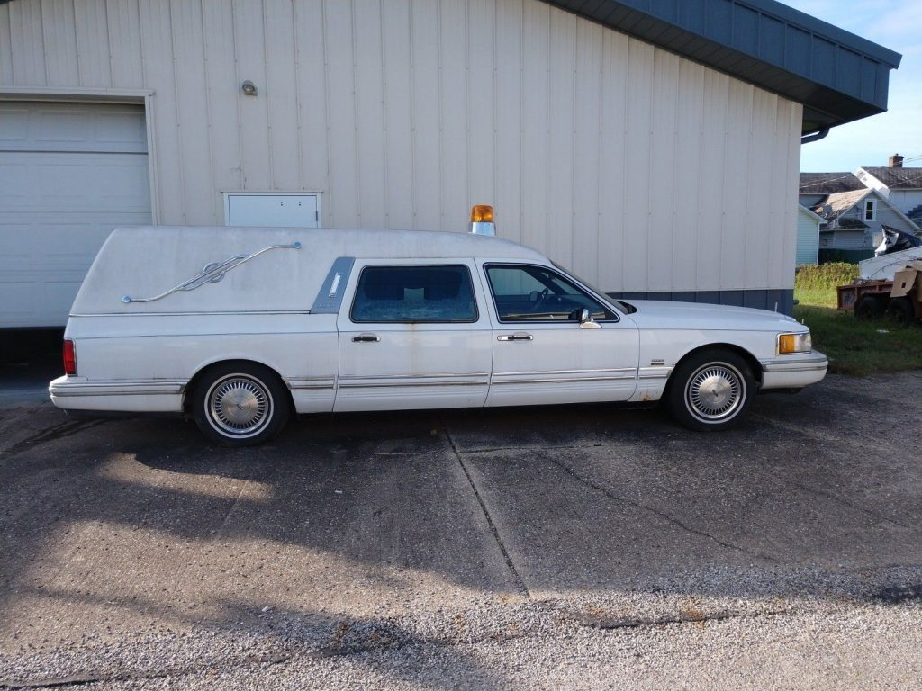 1991 Lincoln Town Car Town Car Executive