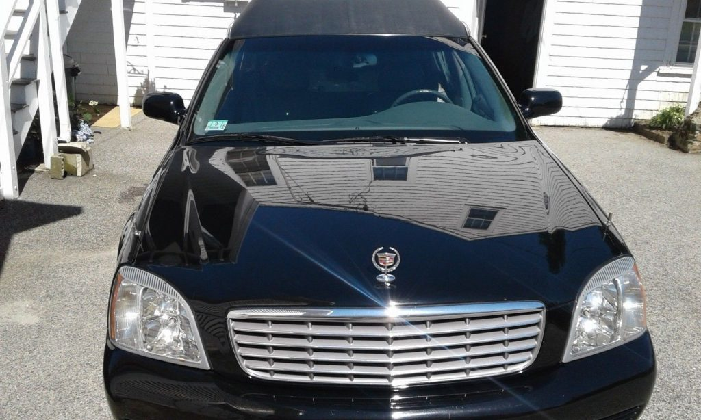 2004 Cadillac Superior in very good condition